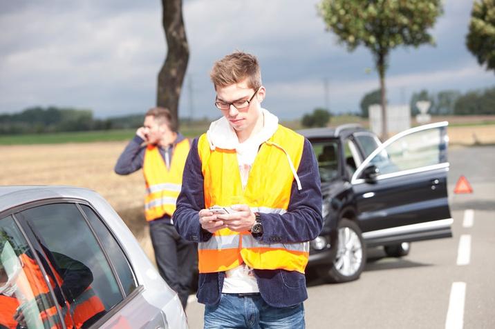 Pogodbeni servis zavarovalnica Sava Troglav Porsche Versicherungs